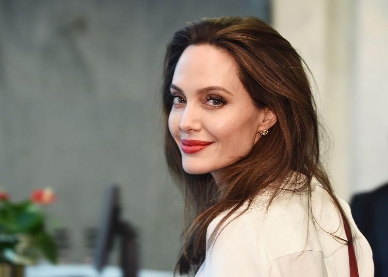 Ngôi sao Điện ảnh Hollywood – Angelina Jolie tìm kiếm cuộc sống mới tại Bồ Đào Nha